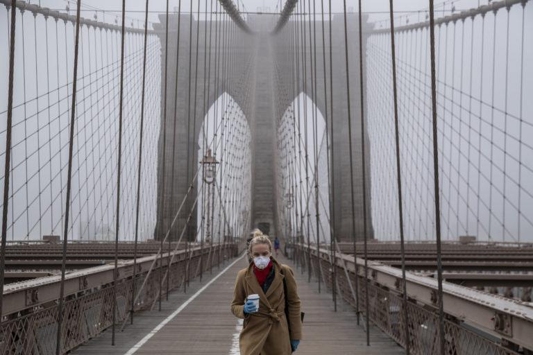 Photo of nearly empty Brooklyn Bridge