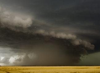 Photo of a massive storm cloud