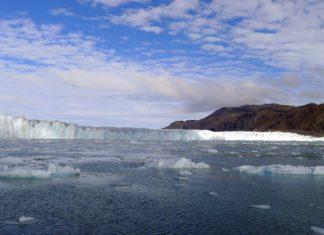 Photo of glacier meeting the ocean